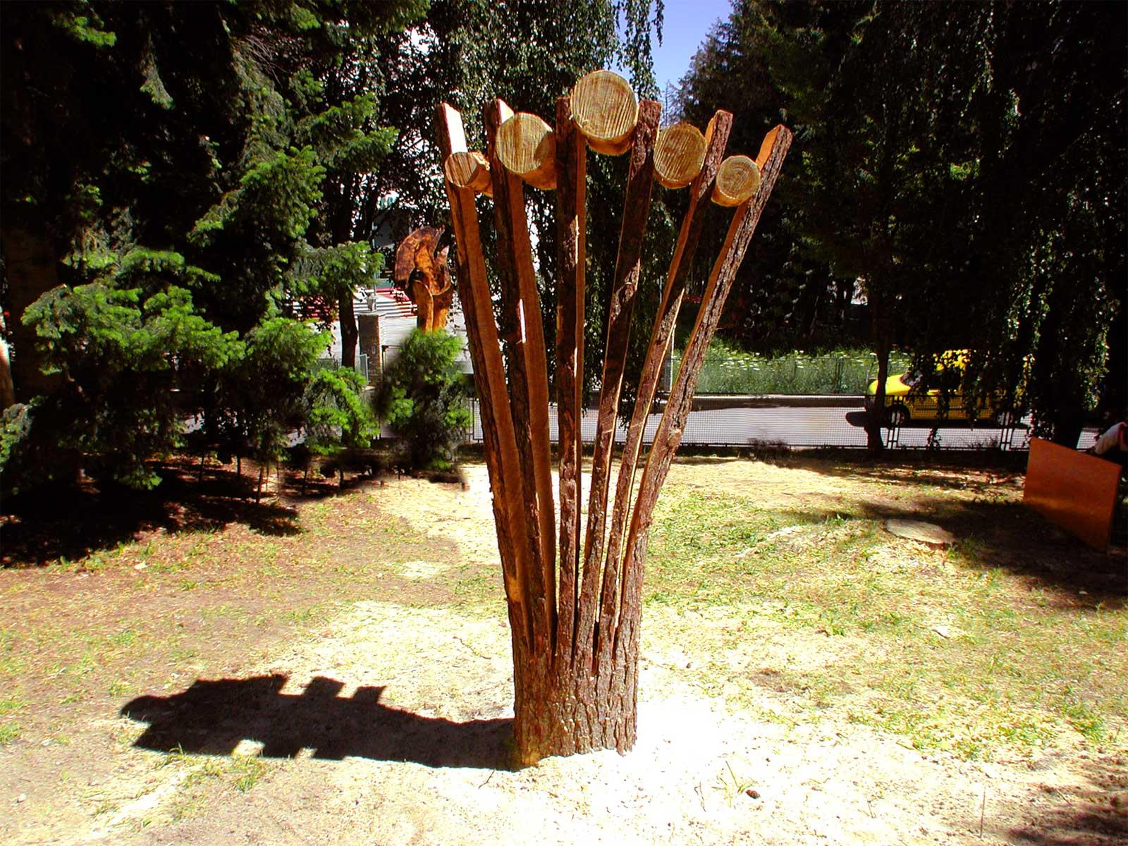 wood, public sculpture Sauze d'Oulx, Italy 2005